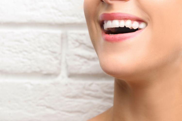 How much does it cost to get your gap teeth bonded?