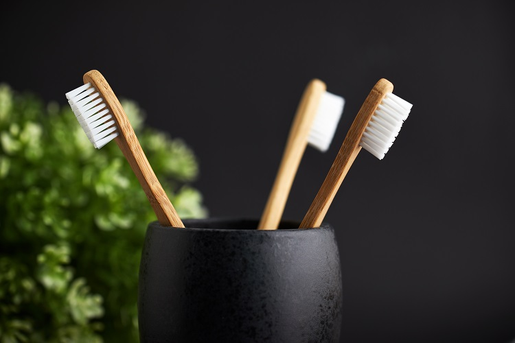 Potential dangers of toothbrushes